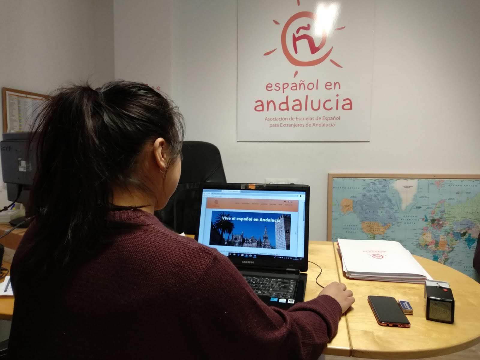 Estudiante de español de Italia de prácticas en EEA